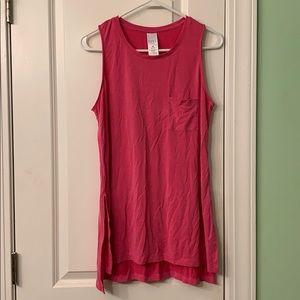 Medium sleeveless top.